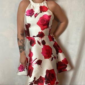 NWT KARLIE ROSE PRINTED HALTER NECK DRESS
